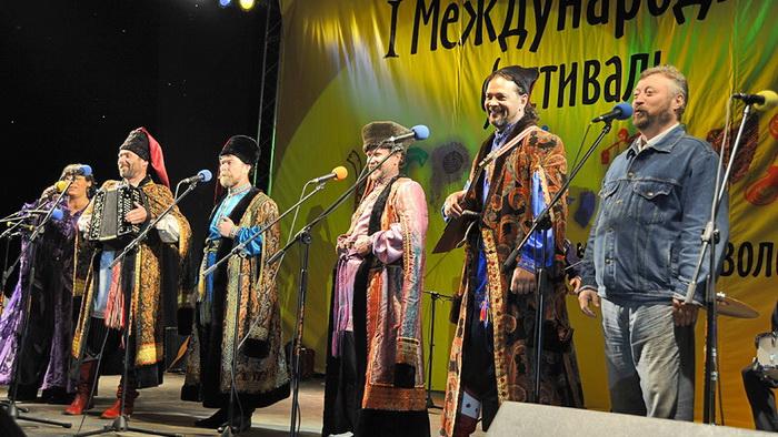 актеры Иркутского театра народной драмы